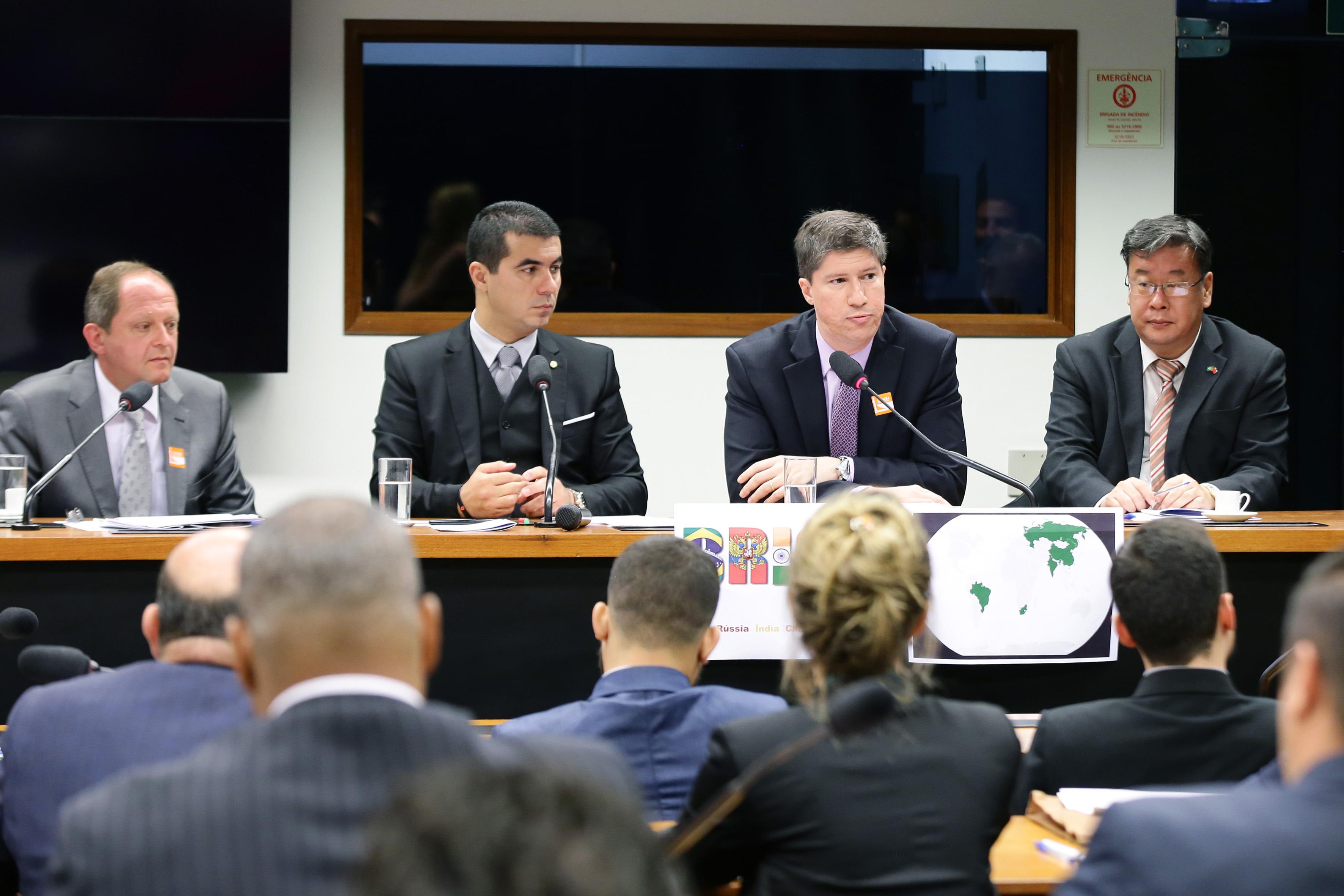Reunião para discutir o fortalecimento do Brics e das casas legislativas que compõem o grupo: Brasil, Rússia, India e China
