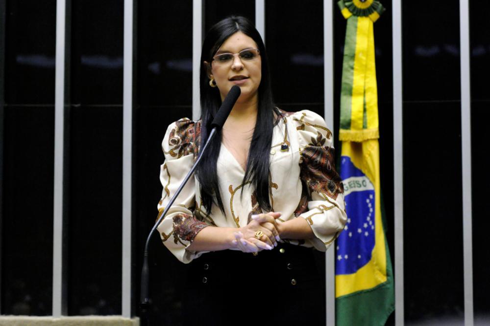 Cerimônia Pelo Brasil e contra a Corrupção. Dep. Professora Dayane Pimentel (PSL - BA)