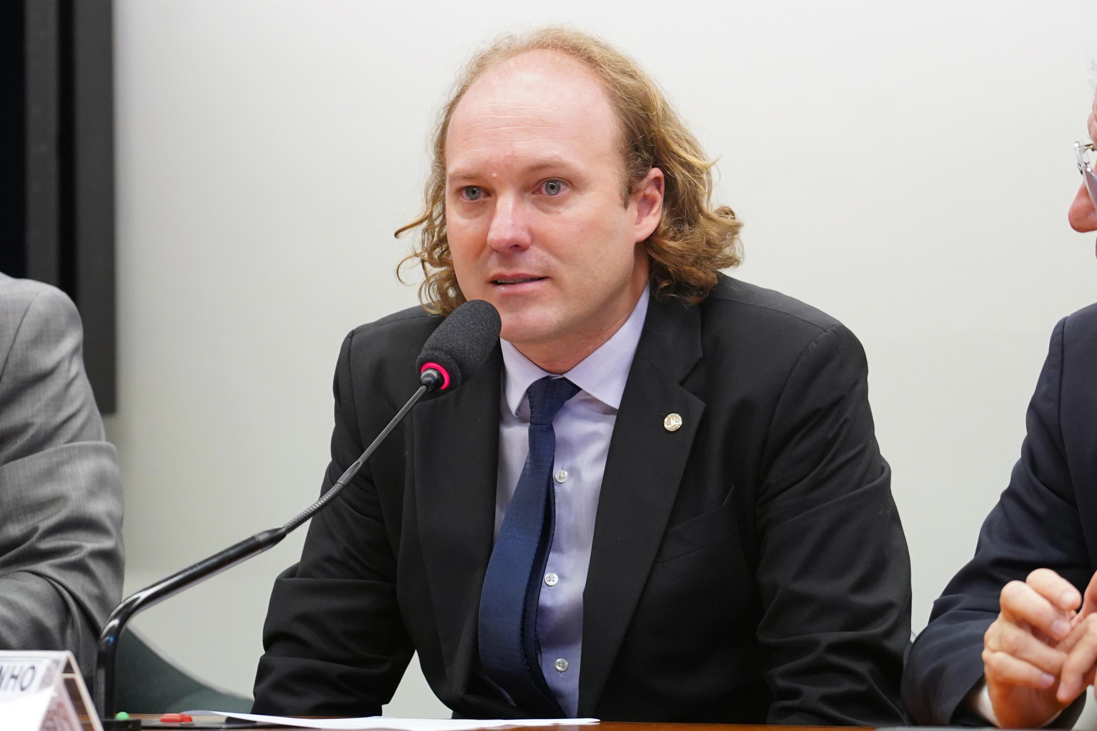 Instalação da Comissão e eleição para presidente e vice-presidentes. Presidente, Rodrigo Agostinho (PSB-SP)
