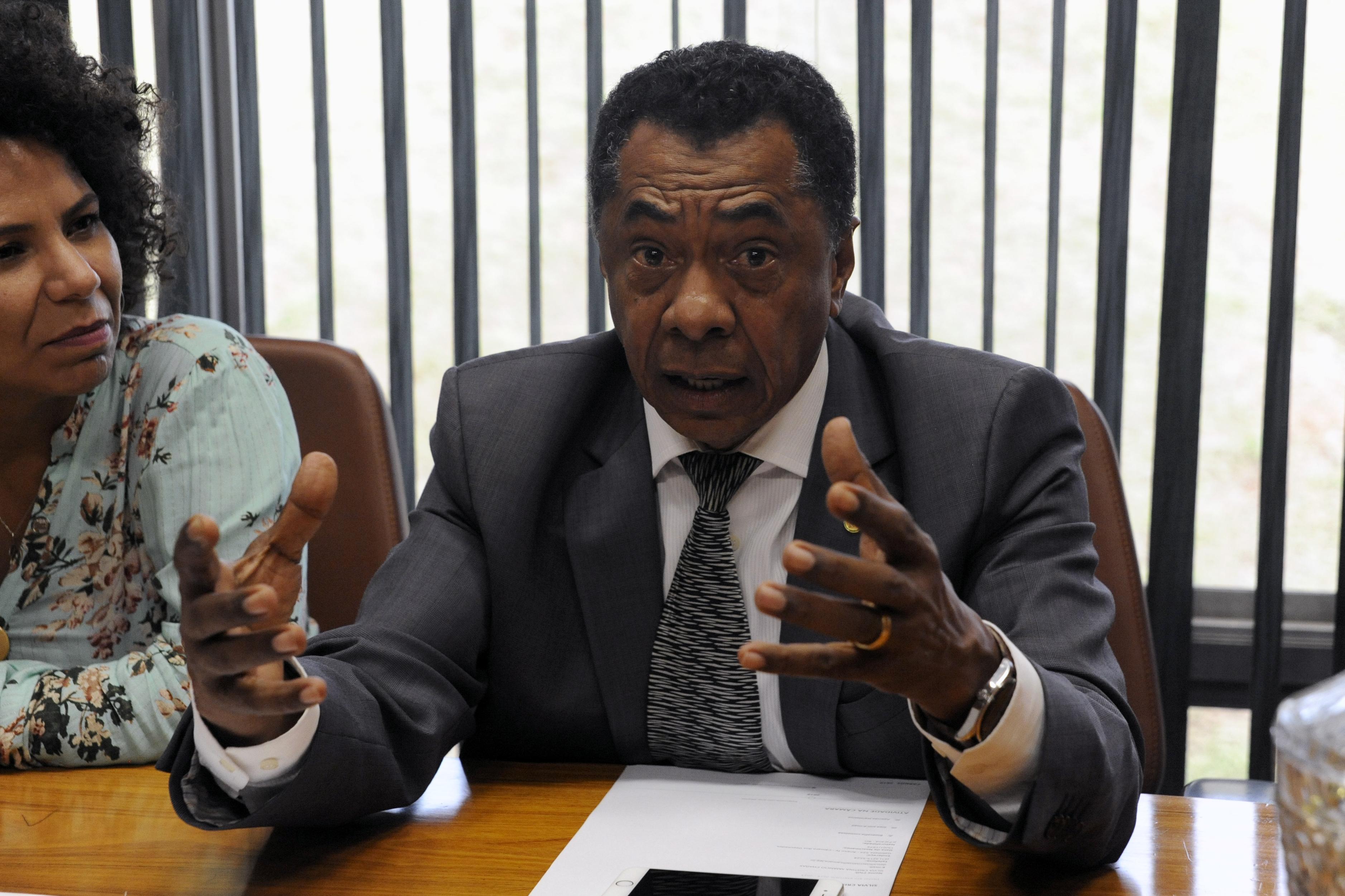 Deputados que se identificam como negros e pardos discutem as questões relacionadas à raça. Dep. Damião Feliciano (PDT - PB)
