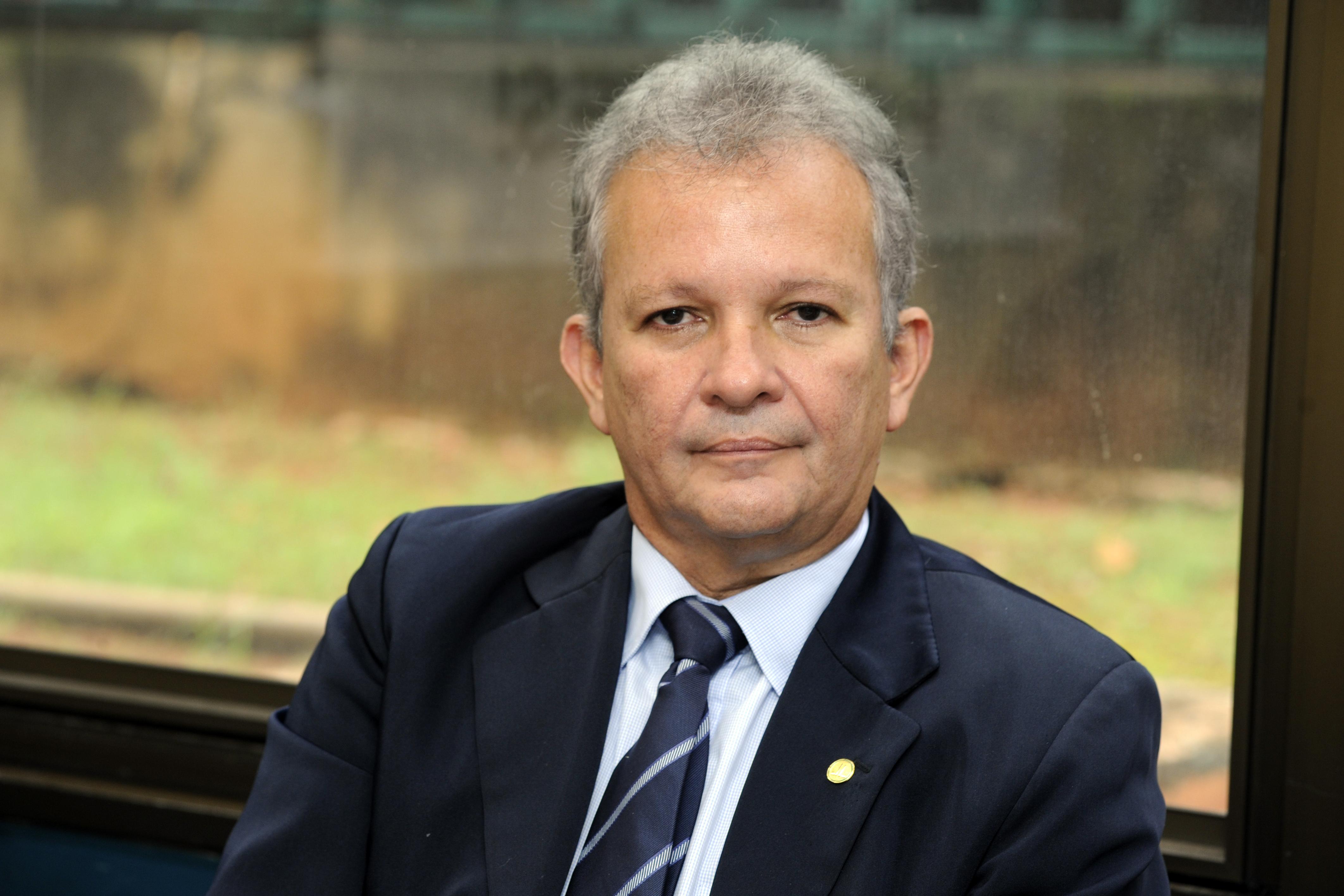 Presidentes dos partidos da oposição se reúnem na Liderança do PSOL na Câmara para discutir estratégias de enfrentamento à Reforma da Previdência. Dep. André Figueiredo (PDT - CE)