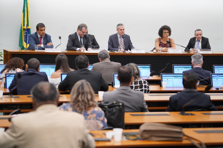 Audiência Pública sobre o descomissionamento das estruturas e tecnologias de aproveitamento de rejeitos