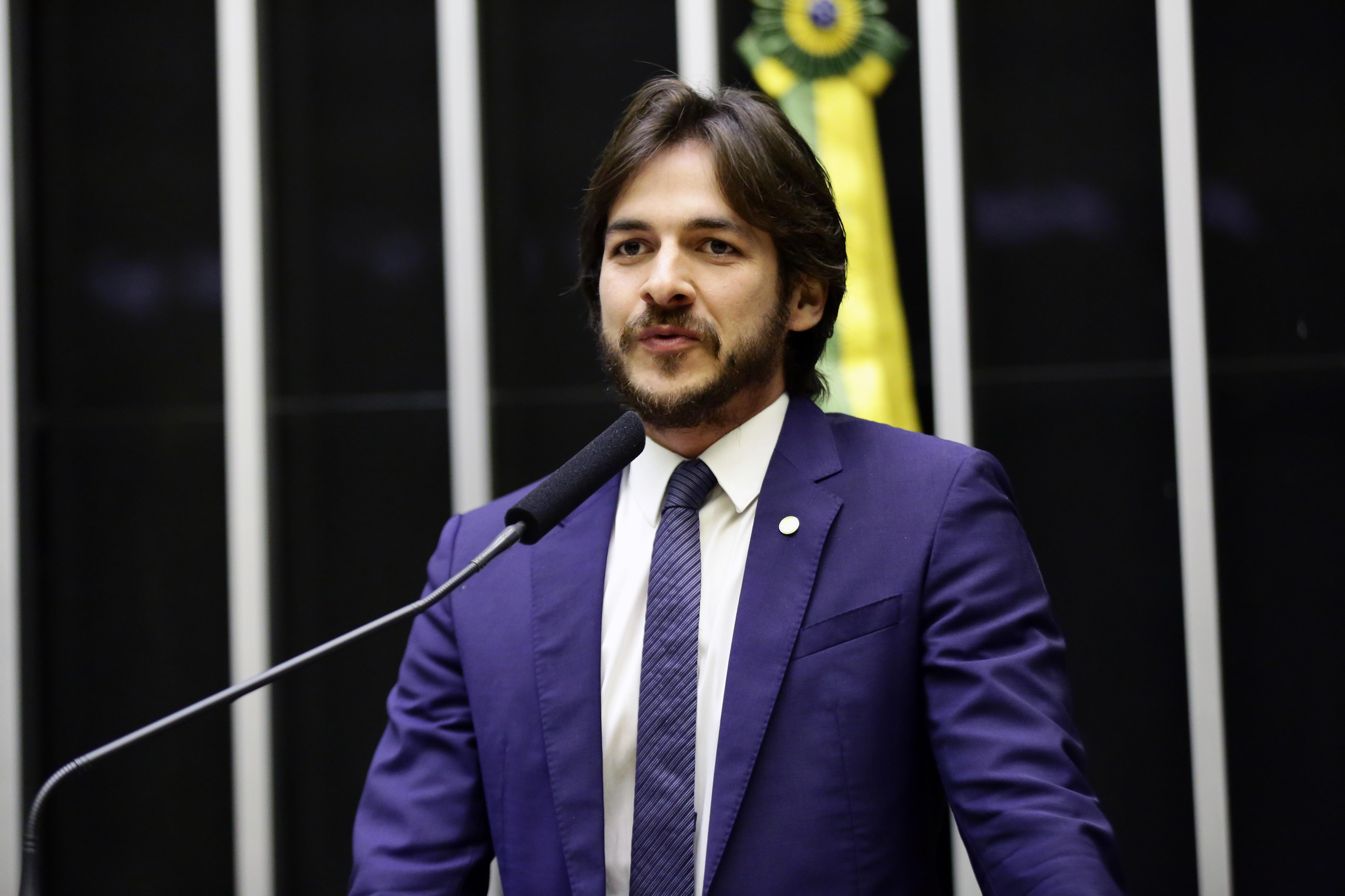 Sessão Solene em Homenagem ao Dia do Piso Salarial dos Professores. Dep. Pedro Cunha Lima (PSDB - PB)