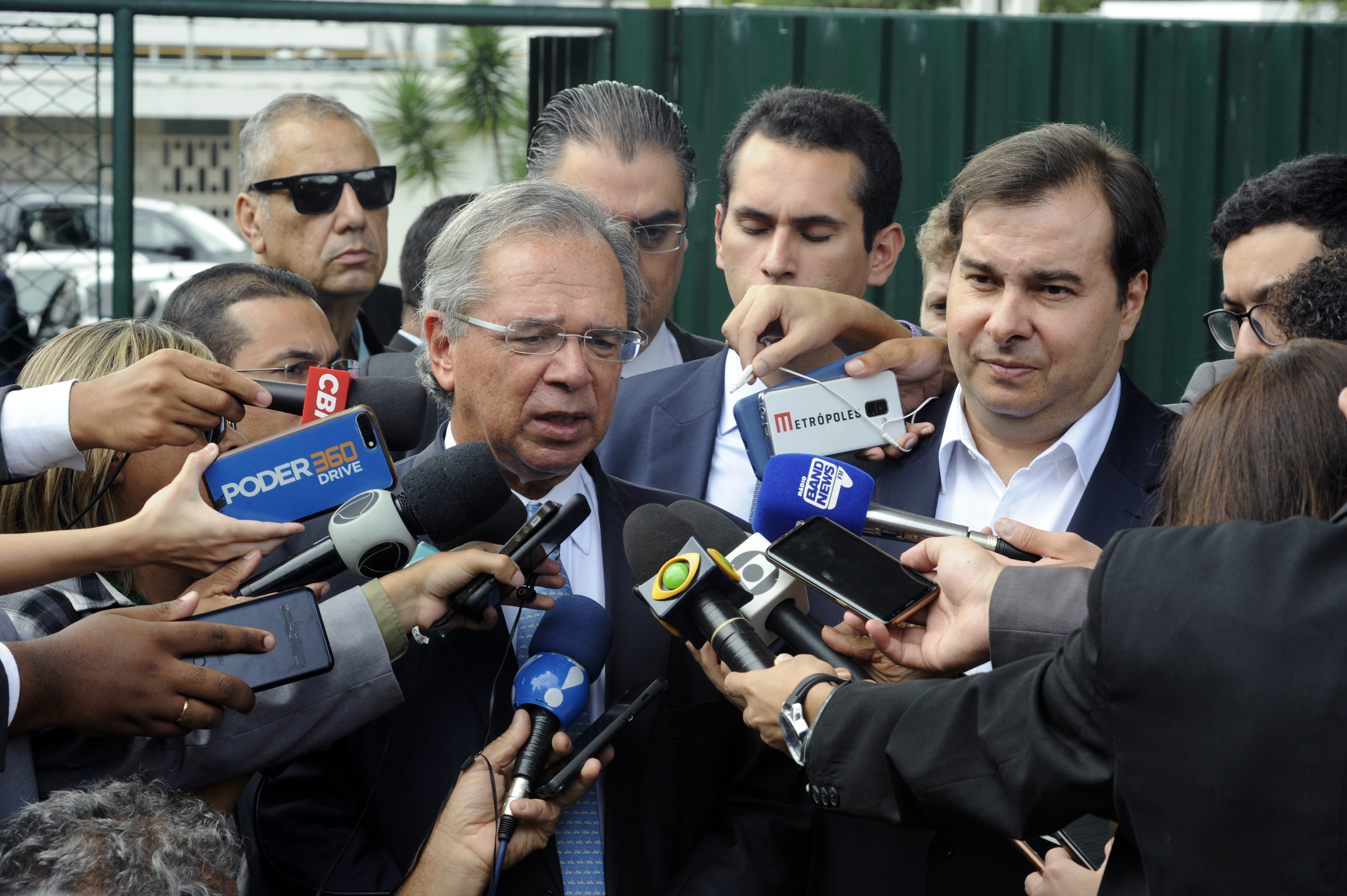 Ministro da Economia, Paulo Guedes concede entrevista