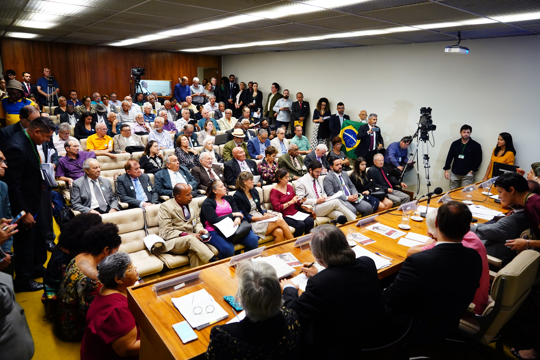 Audiência pública sobre a situação dos anistiados políticos no Brasil