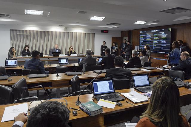 comissão mista MP 859/18 votação adiada