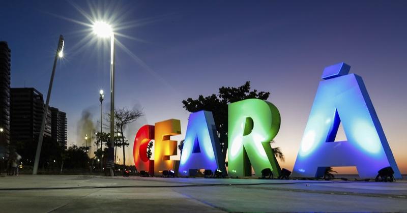 Coisas do Brasil, 11/04/2019 - Ceará, placa luminosa, Fortaleza