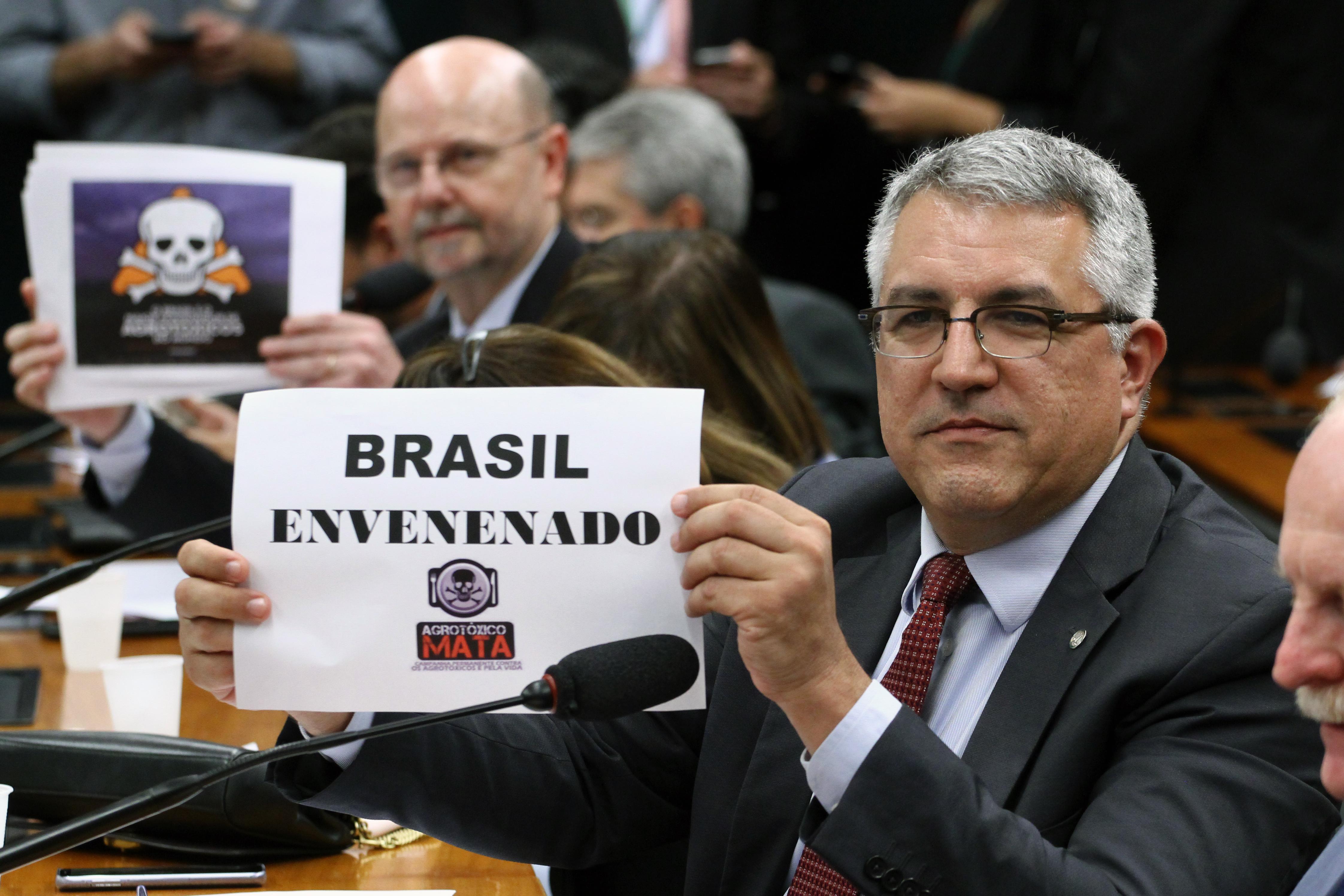 Audiência pública para a prestação de informações sobre a liberação de registros de agrotóxicos. Dep. Alexandre Padilha (PT - SP)