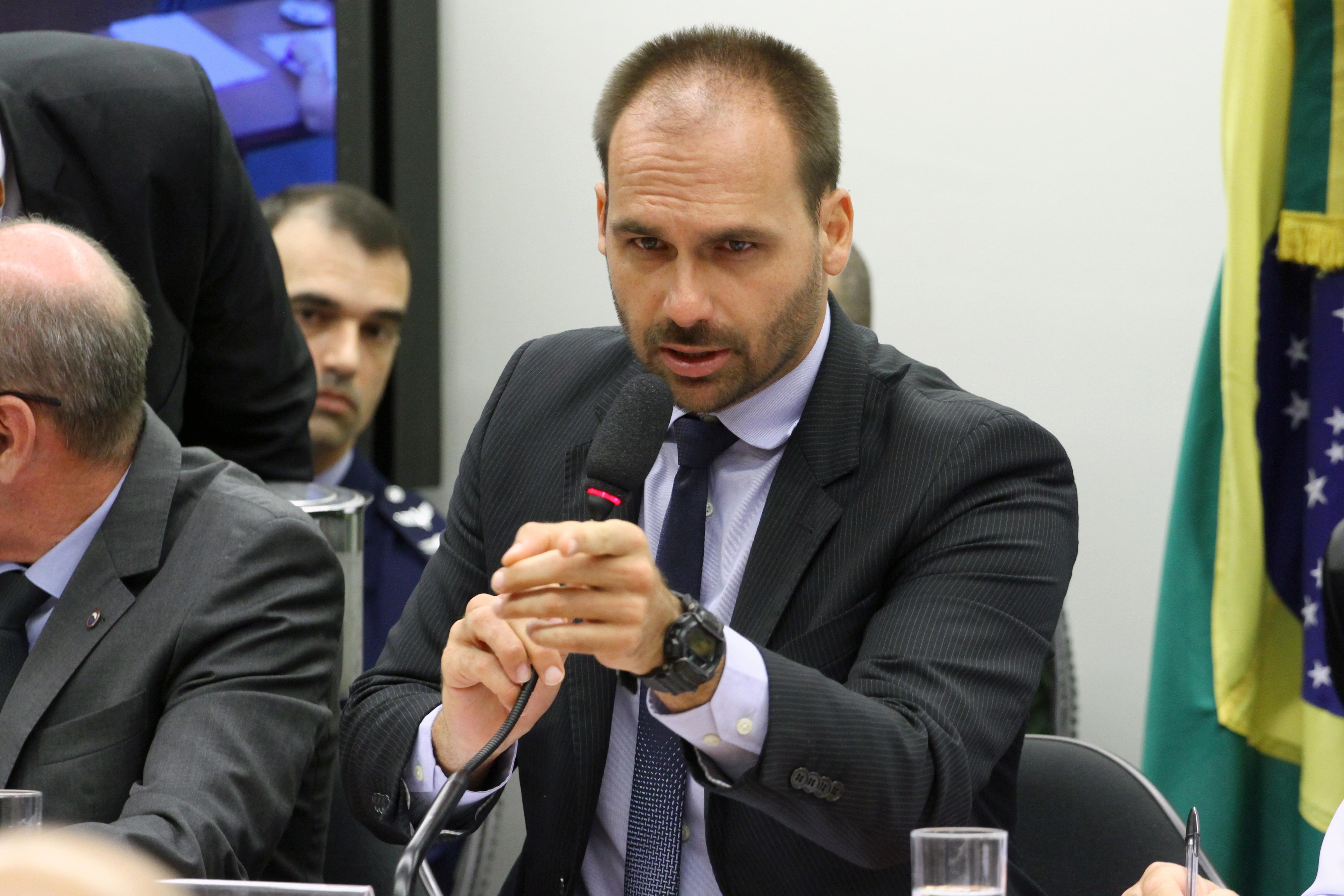 Audiência pública sobre as prioridades para o ano em curso e as perspectivas de atuação futura do Ministério da Defesa. Dep. Eduardo Bolsonaro (PSL - SP)