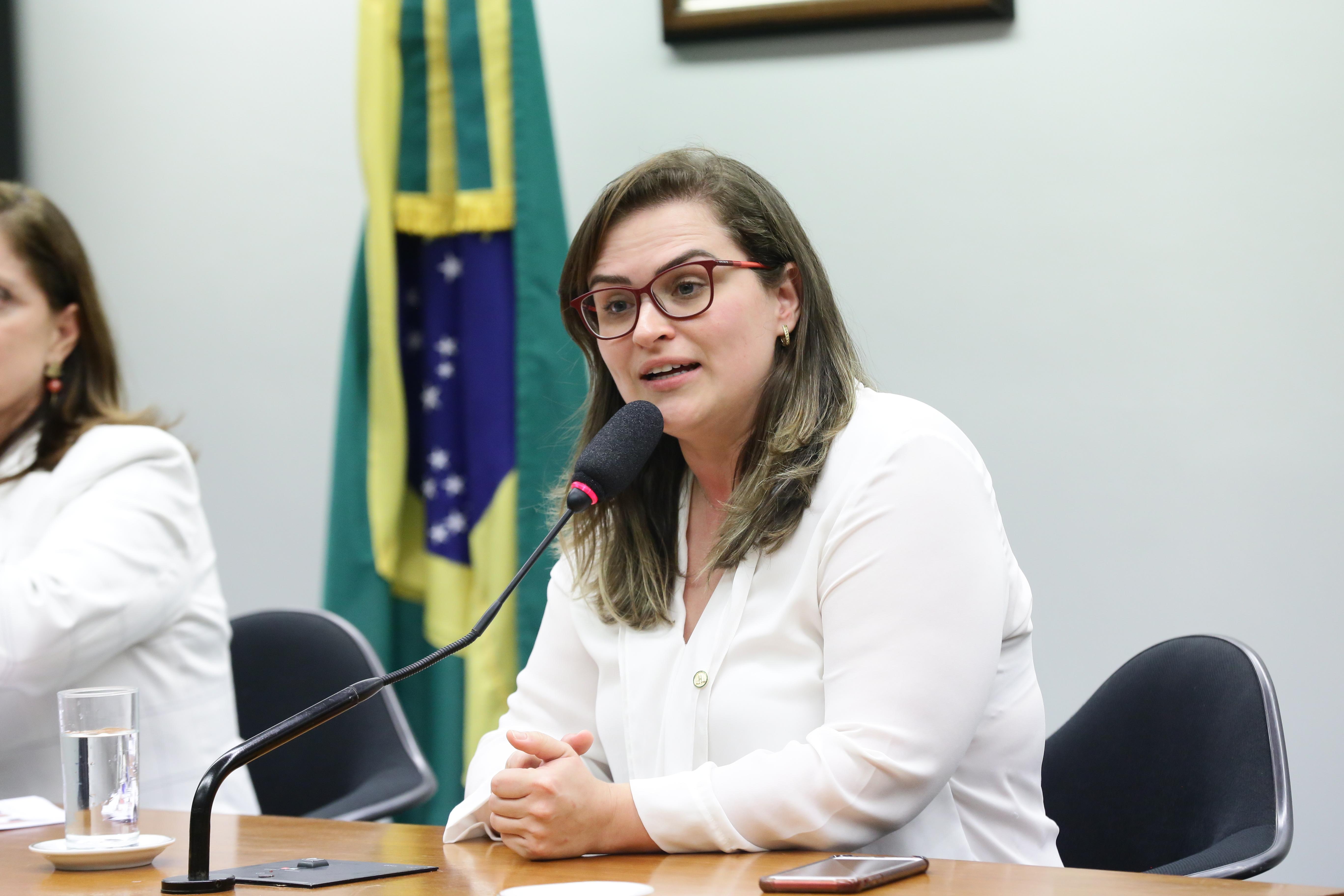 Secretaria da Mulher Eleição da nova coordenadora e as três coordenadoras-adjuntas da Bancada Feminina e da nova Procuradora e as três Procuradoras-Adjuntas da Mulher. Dep. Marília Arraes (PT - PE)
