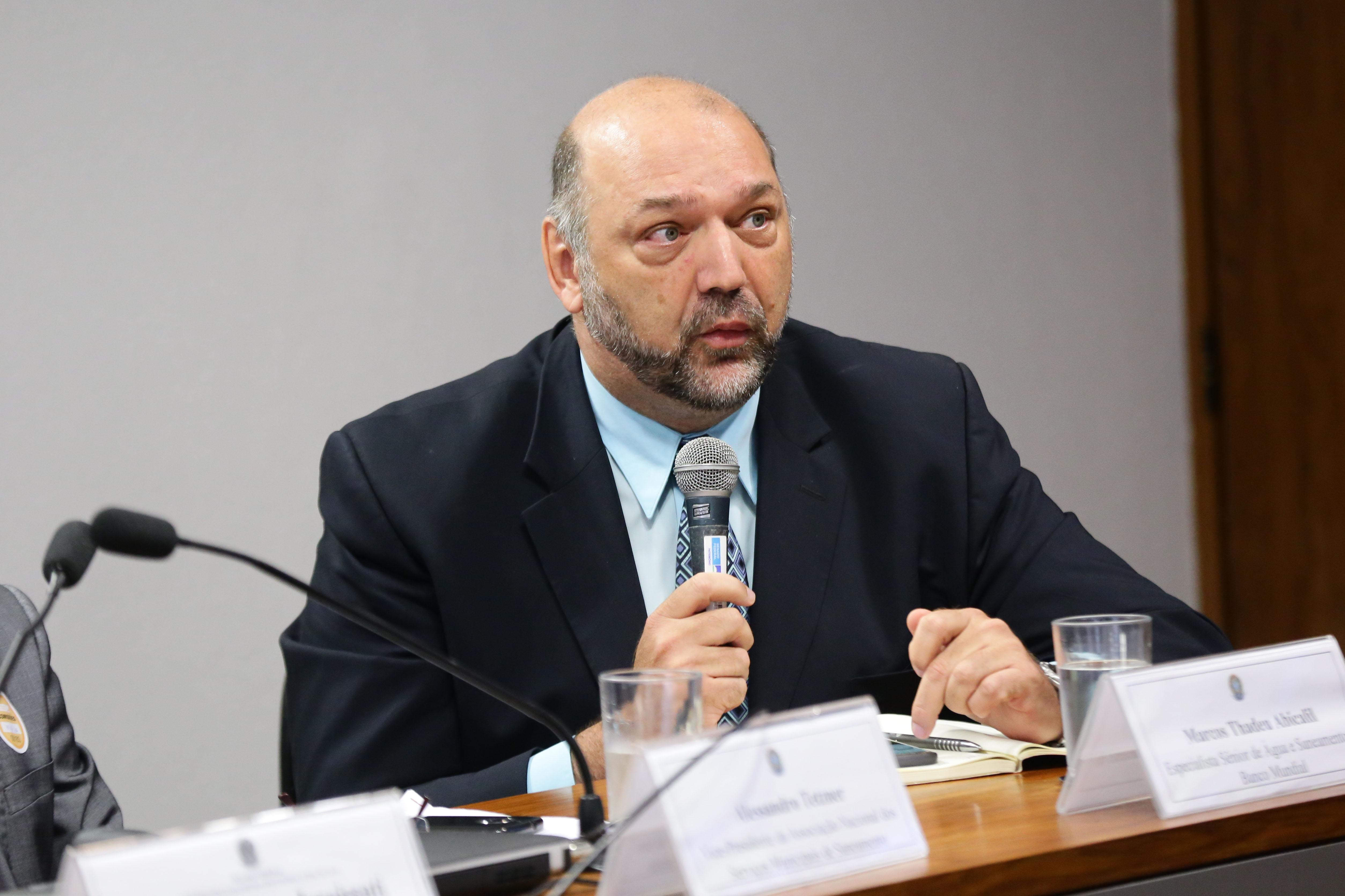 Comissão Mista sobre a MP 868/18, que reformula o marco legal do saneamento básico. Especialista Sênior de Água e Saneamento do Banco Mundial, Marcos Thadeu Abicalil