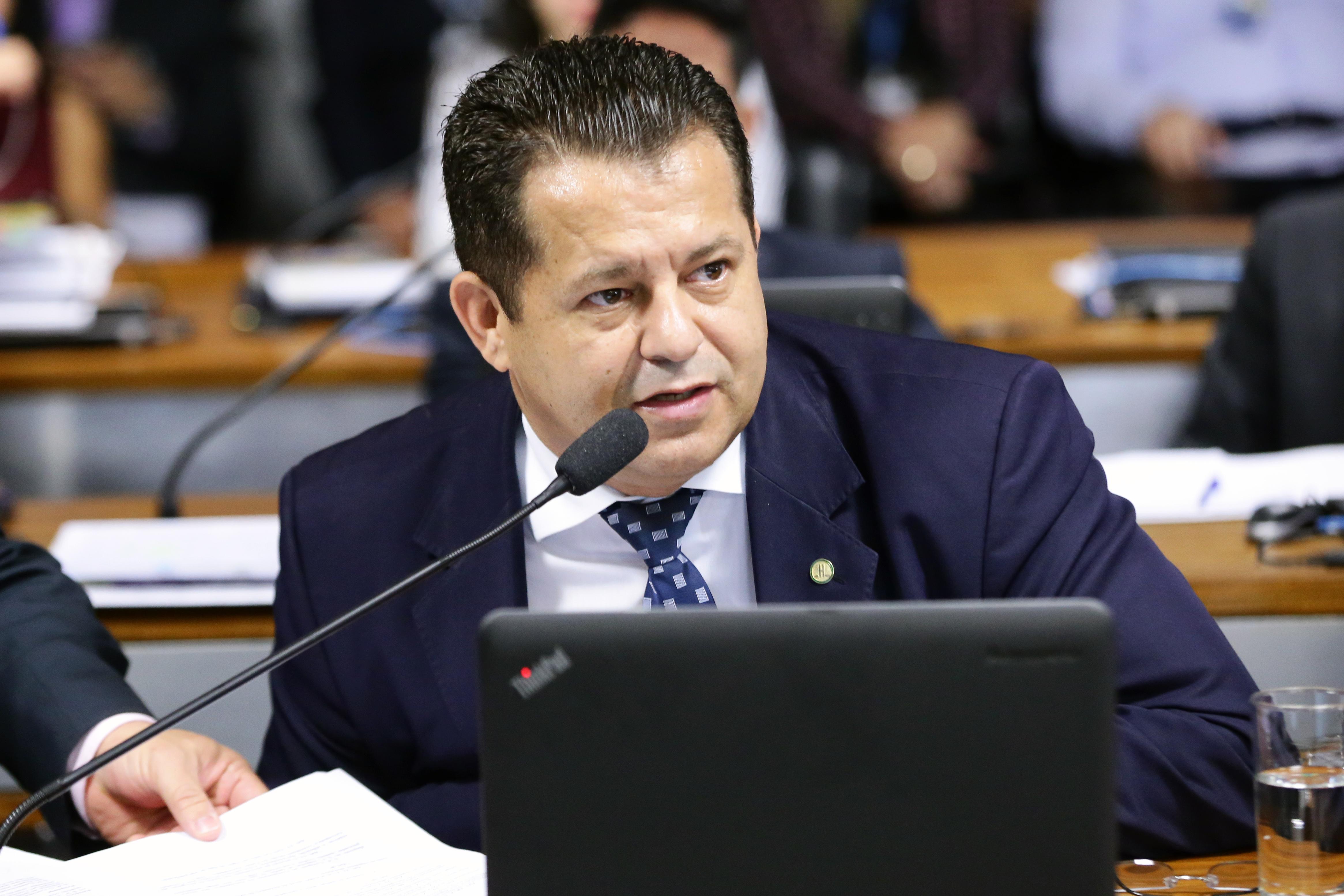 Comissão Mista sobre a MP 866/18, que divide as atribuições da Empresa Brasileira de Infraestrutura Aeroportuária (Infraero) para criar a NAV Brasil. Dep. Valtenir Pereira (MDB - MT)