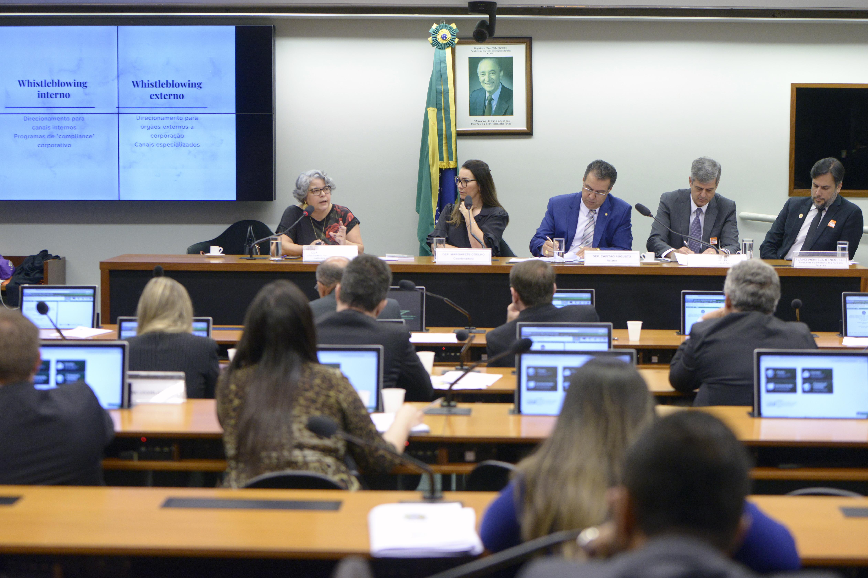 Audiência pública sobre os direitos do informante; estrutura dos órgãos públicos para denúncias; colaboração do cidadão