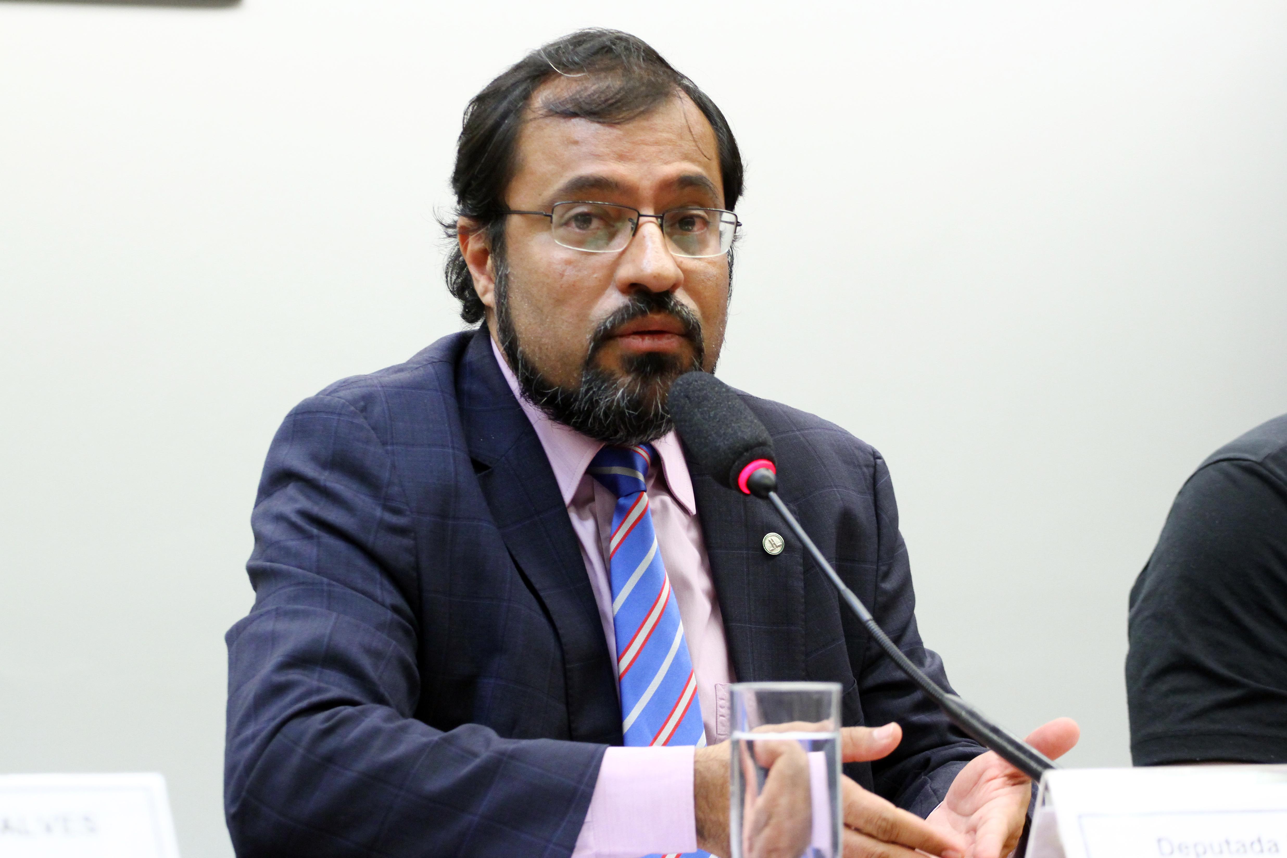 Audiência pública sobre as mudanças na política de saúde mental, álcool e outras drogas. Dep. Camilo Capiberibe (PSB - AP)