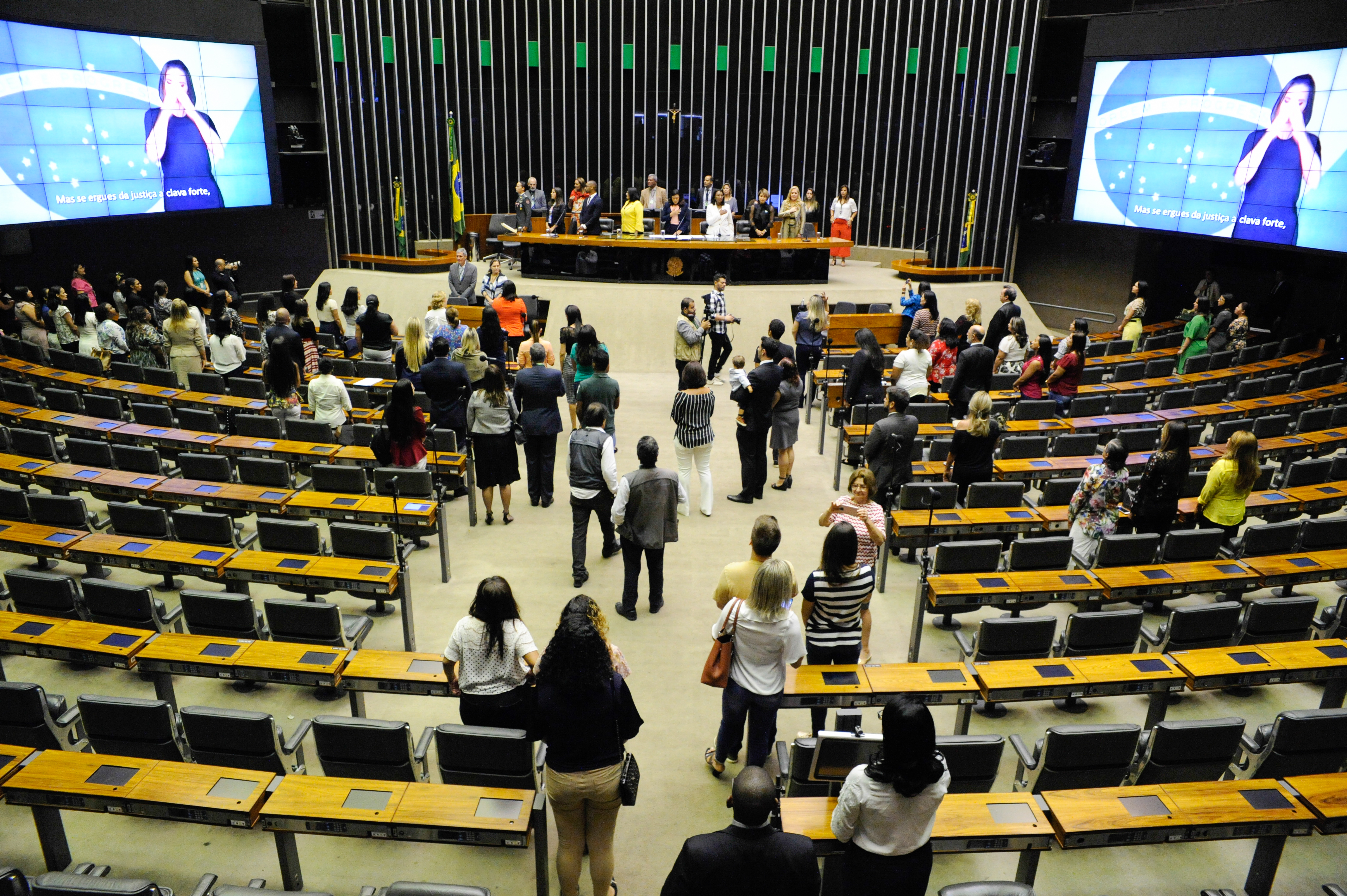 Homenagem às Mulheres de Destaque no Brasil