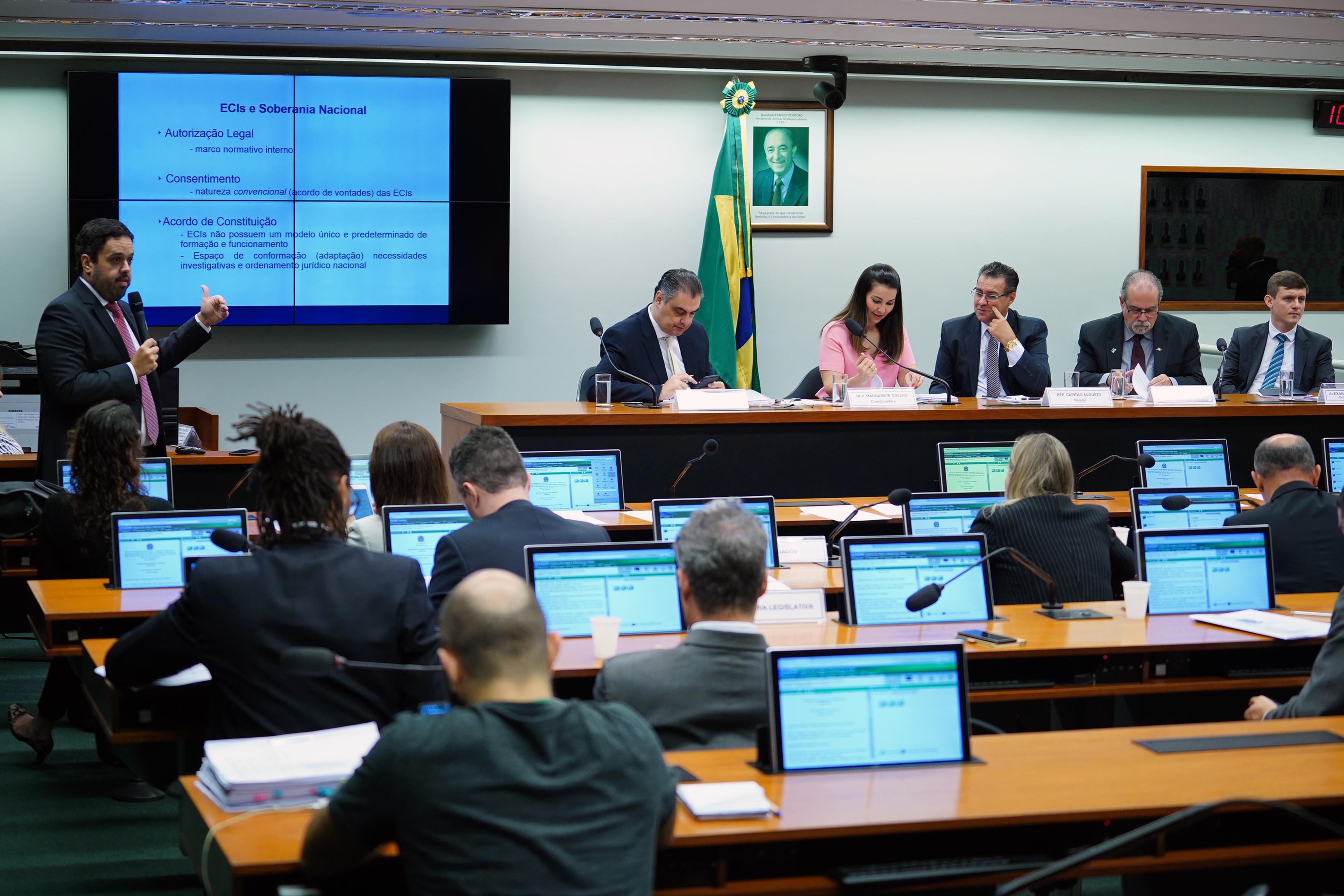 Audiência pública sobre os temas propostos no Roteiro de Trabalho