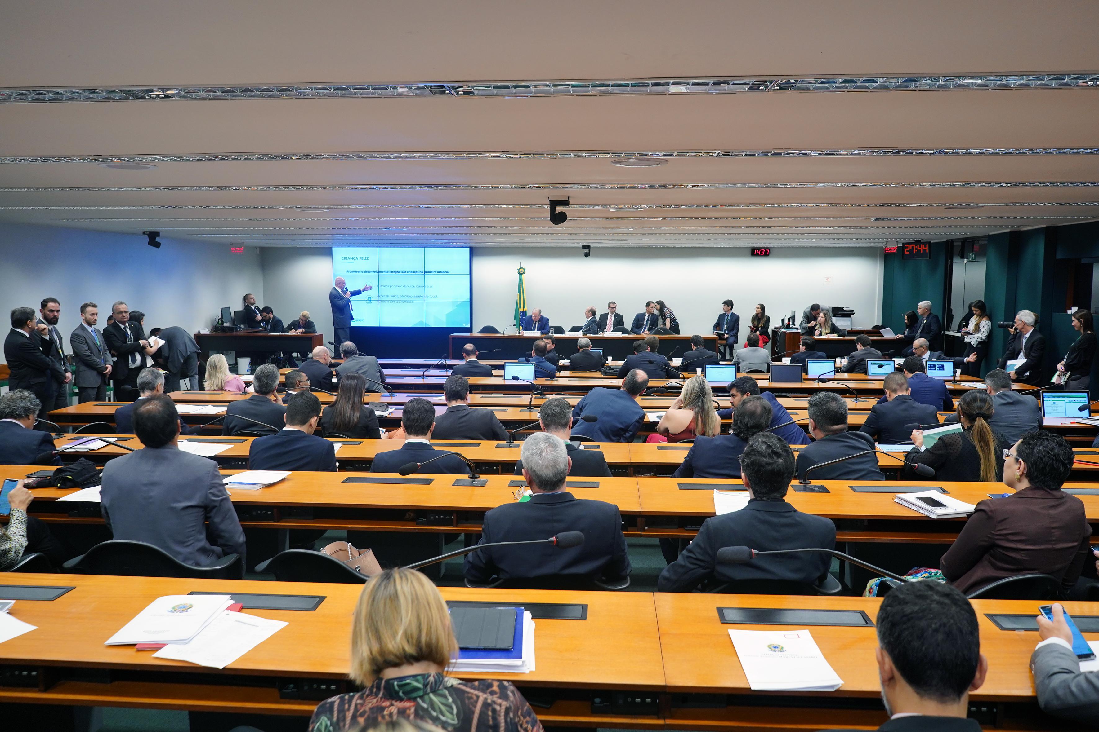 Audiência pública sobre as fontes orçamentárias que suportem as dotações constantes do PLN 4/2019 - CN