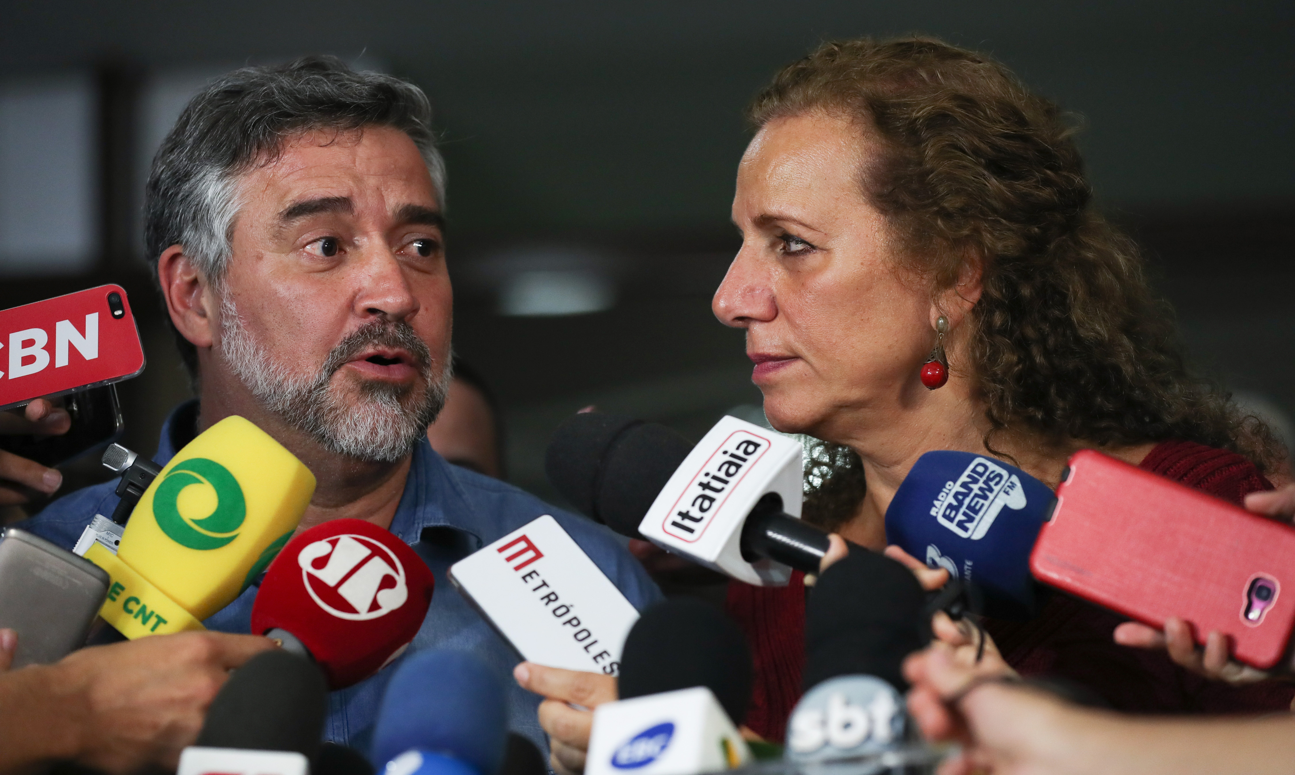 Deputados da oposição falam sobre o envolvimento de Moro e Dallagnol nos processos contra o presidente Lula. Dep. Paulo Pimenta (PT-RS) e dep. Jandira Feghali (PCdoB-RJ)