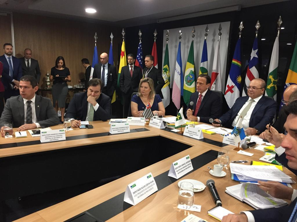 Fotos do Dia - presidente da Câmara Rodrigo Maia reunido com governadores