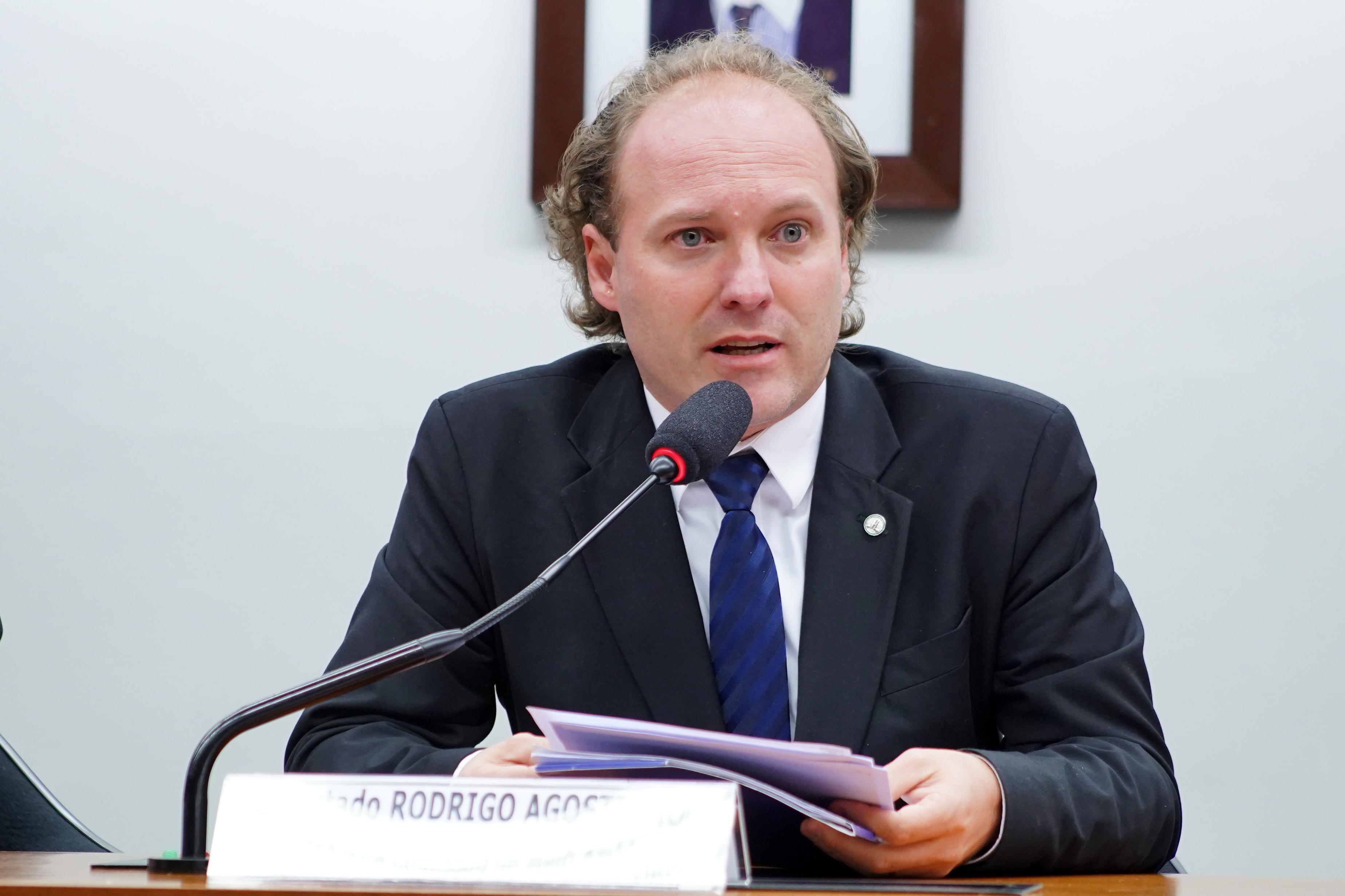 Audiência pública sobre o uso de cães beagle como cobaias em teste a pedido da Anvisa. Dep. Rodrigo Agostinho (PSB-SP)