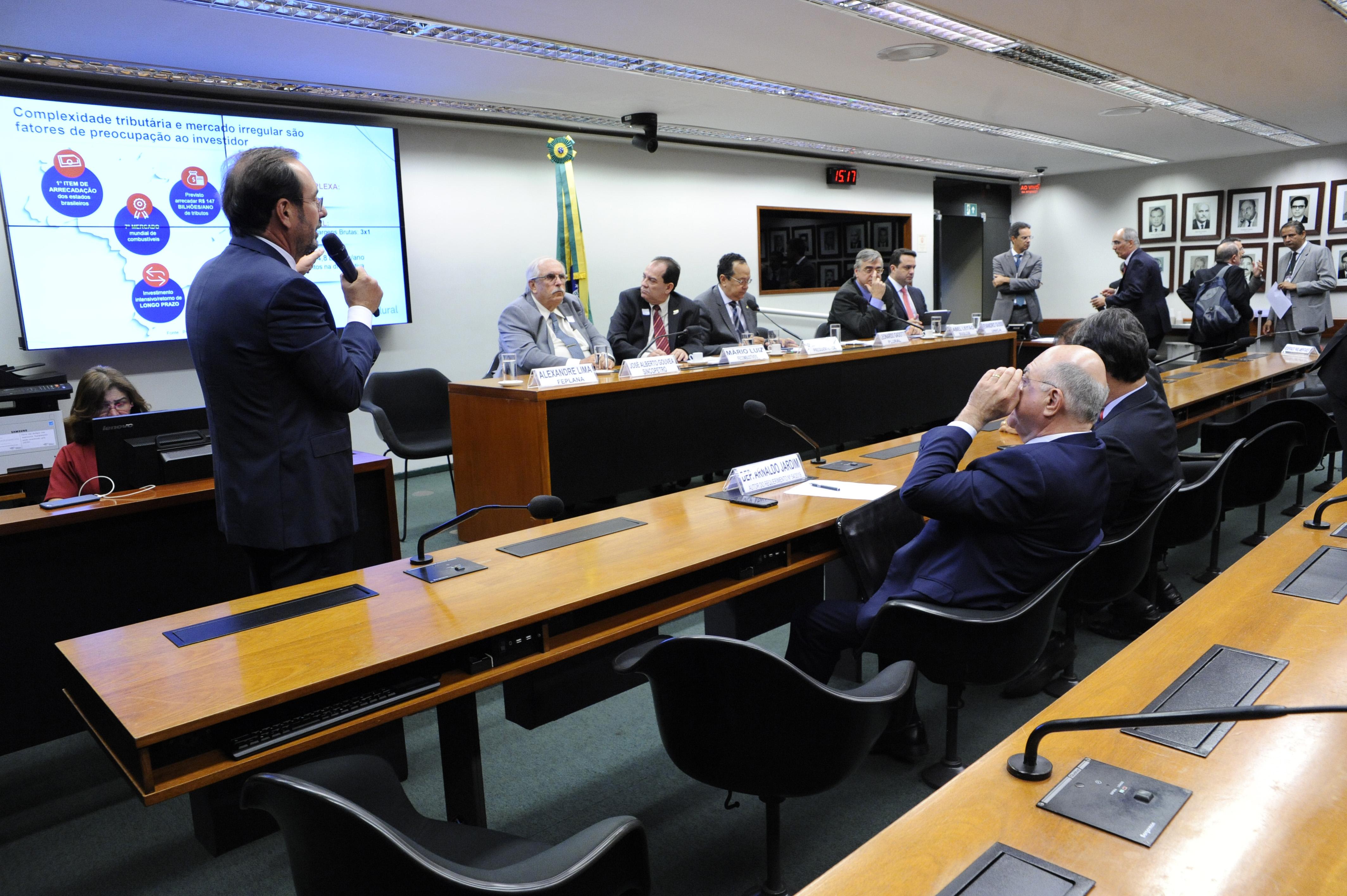 Audiência pública sobre os efeitos da venda direta de etanol hidratado nos postos
