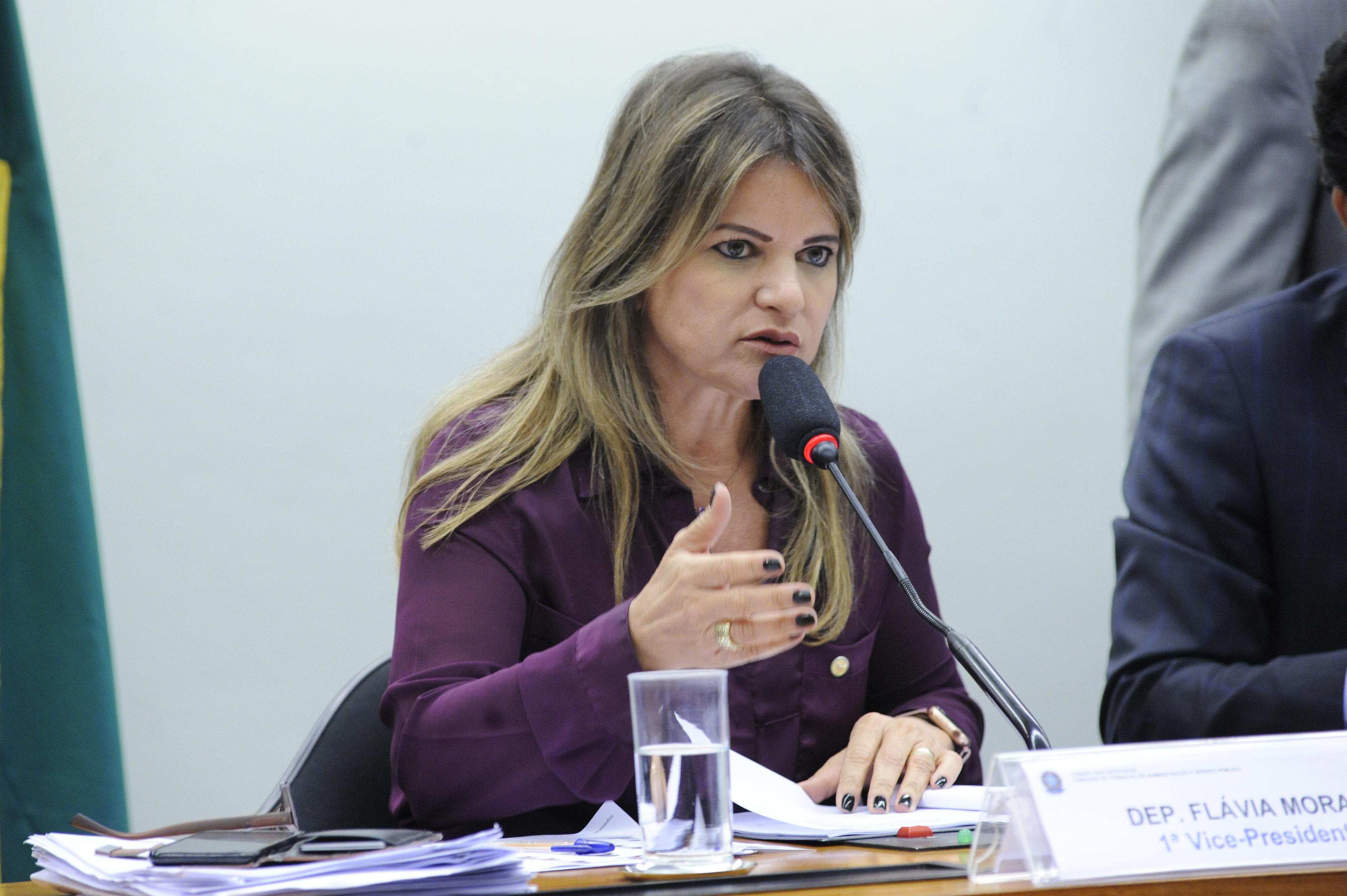 Comissão aprova projeto que regulamenta contribuição adicional de empresa ao seguro-desemprego