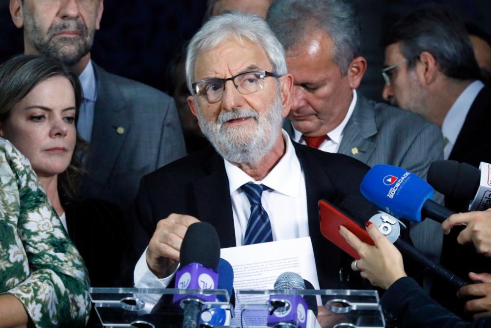 Coletiva de líderes e presidentes de partidos da oposição. Dep. Ivan Valente (PSOL - SP)