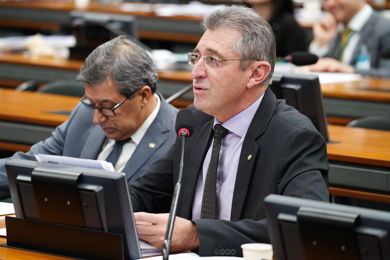 Reunião Ordinária para discussão e votação do parecer do relator, dep. Samuel Moreira (PSDB/SP). Dep. Heitor Schuch (PSB - RS)
