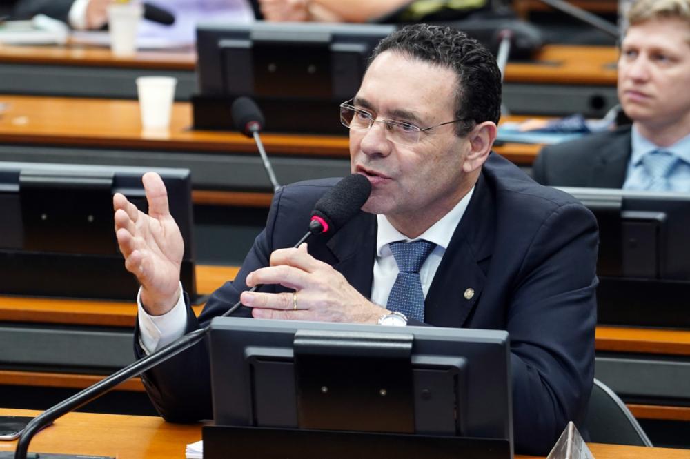 Reunião Ordinária para discussão e votação do parecer do relator, dep. Samuel Moreira (PSDB/SP). Dep. Vitor Lippi (PSDB - SP)