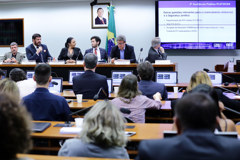 Audiência Pública sobre vincular licenciamento a concessão de certidão do uso do solo, outorga de uso da água e outros atos autorizativos