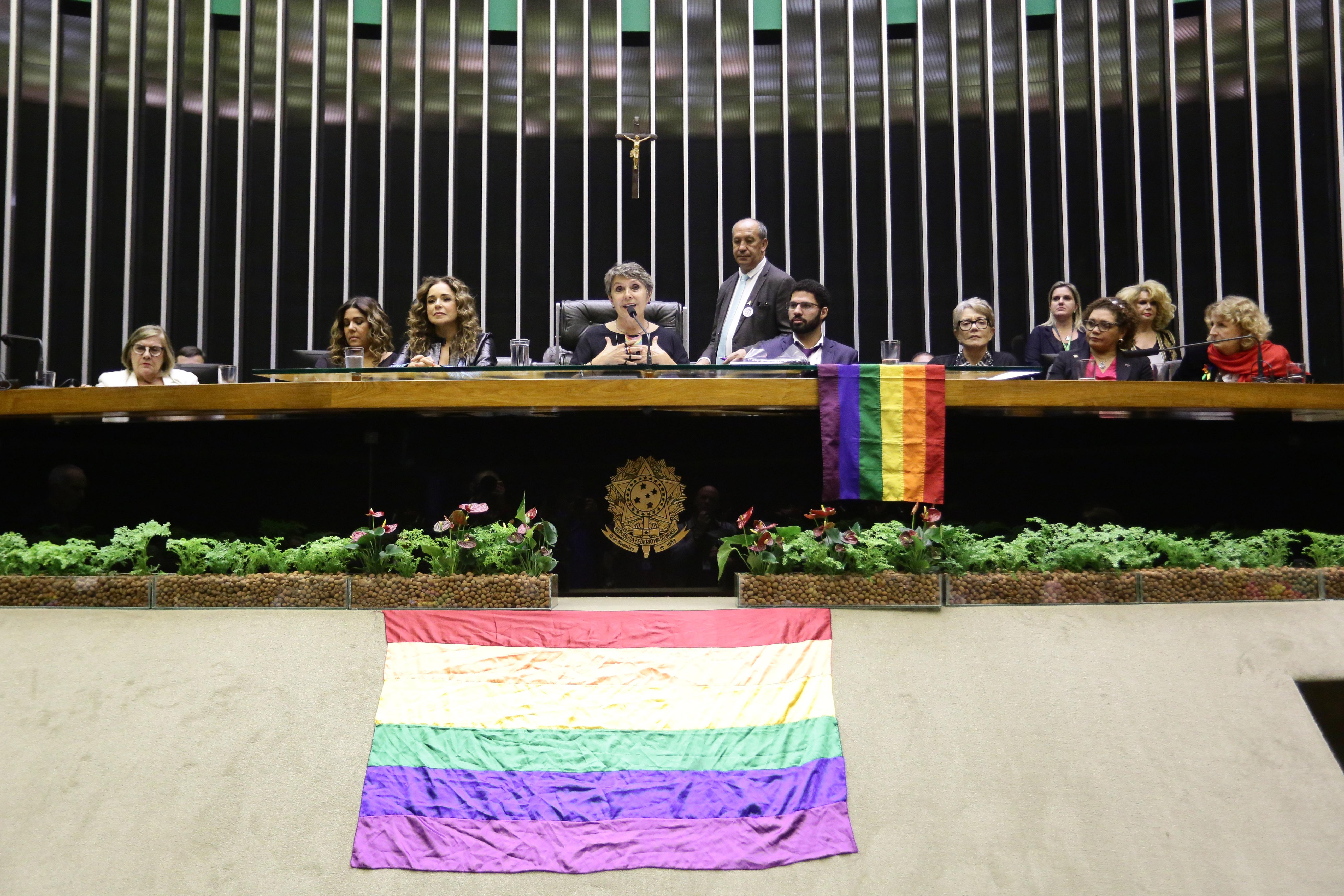 Homenagem ao Cinquentenário do Levante de Stonewall