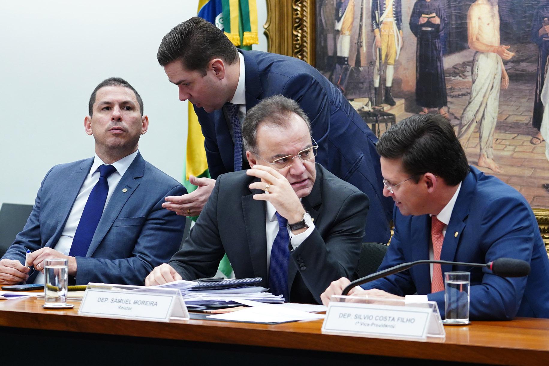 Reunião Ordinária para discussão e votação do parecer do relator, dep. Samuel Moreira (PSDB/SP