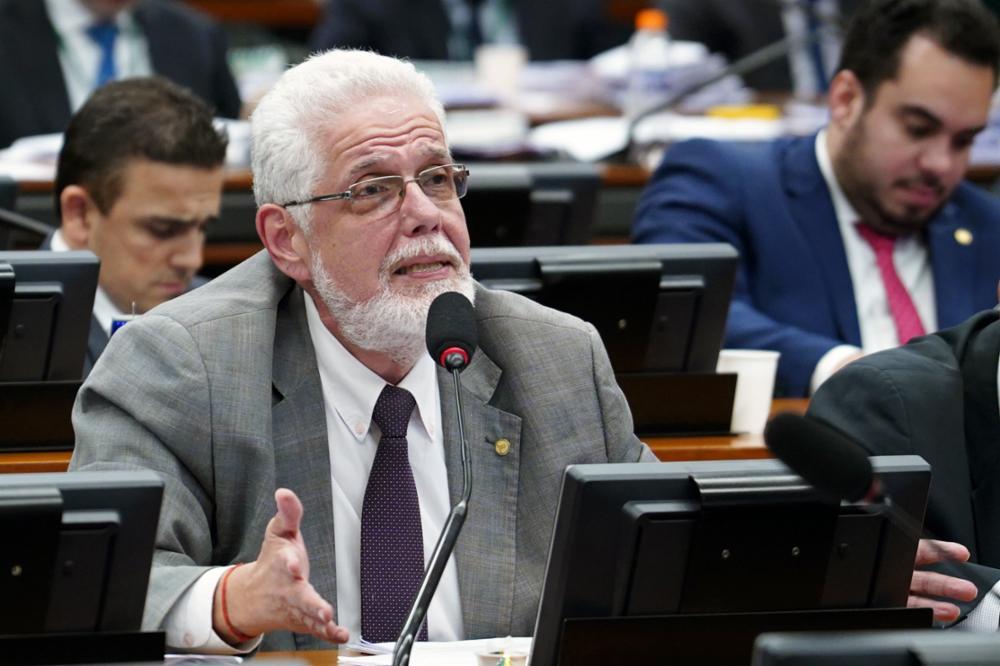 Reunião ordinária para votação do parecer do relator, dep. Samuel Moreira (PSDB-SP). Dep. Jorge Solla (PT - BA)