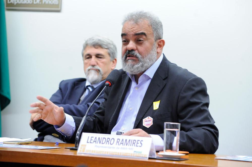 Audiência pública sobre a regulamentação da Cannabis Medicinal no Brasil. Representante da Associação Brasileira de Pacientes de Cannabis Medicinal -AMA+ME, Leandro Ramires