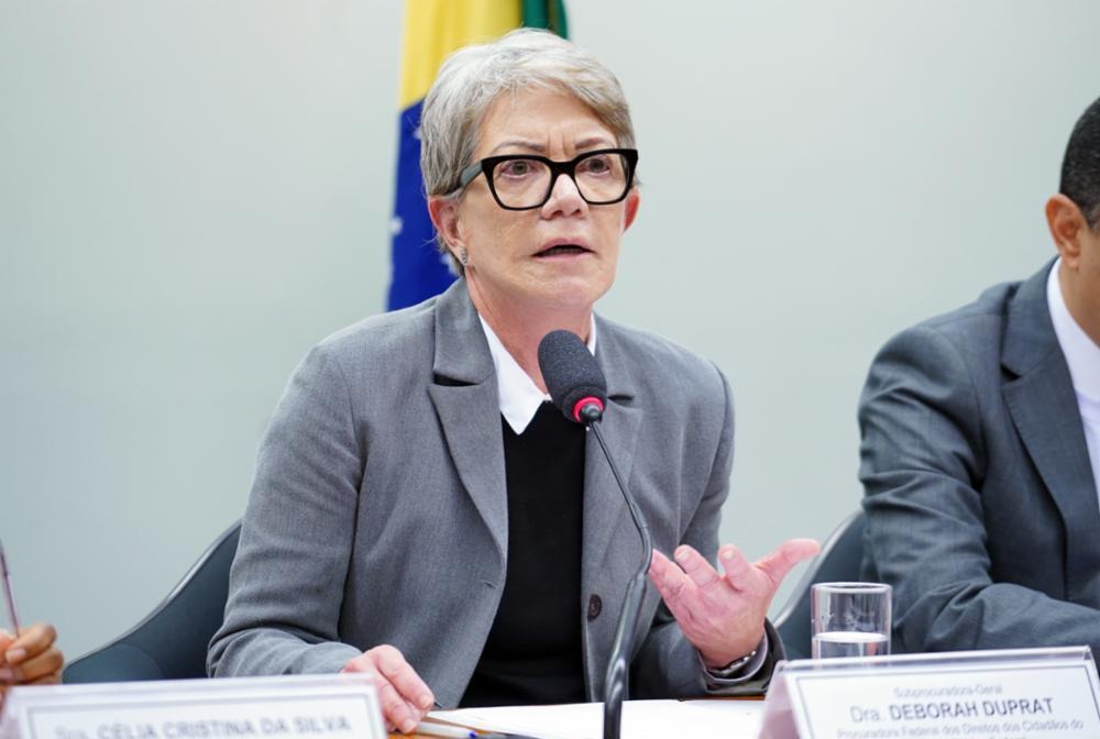 Audiência pública sobre o acordo de Salvaguardas Tecnológicas assinado entre o Brasil e os EUA. Procuradora Federal dos Direitos dos Cidadãos do Ministério Público Federal, Deborah Duprat