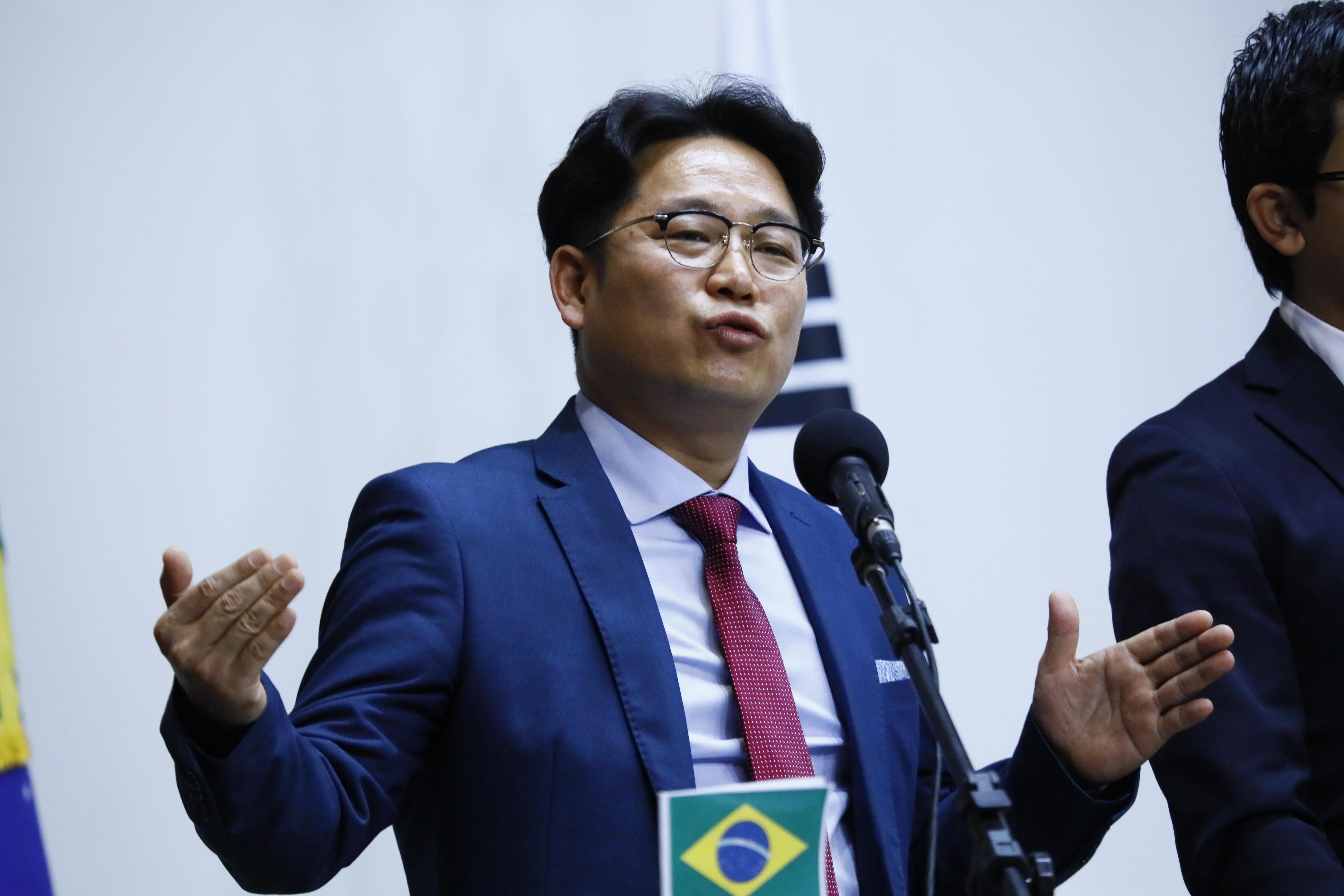 Seminário A Contribuição dos Esportes para Paz Mundial. Dr. Kwun In Soung embaixador  do Festival de Artes Marciais