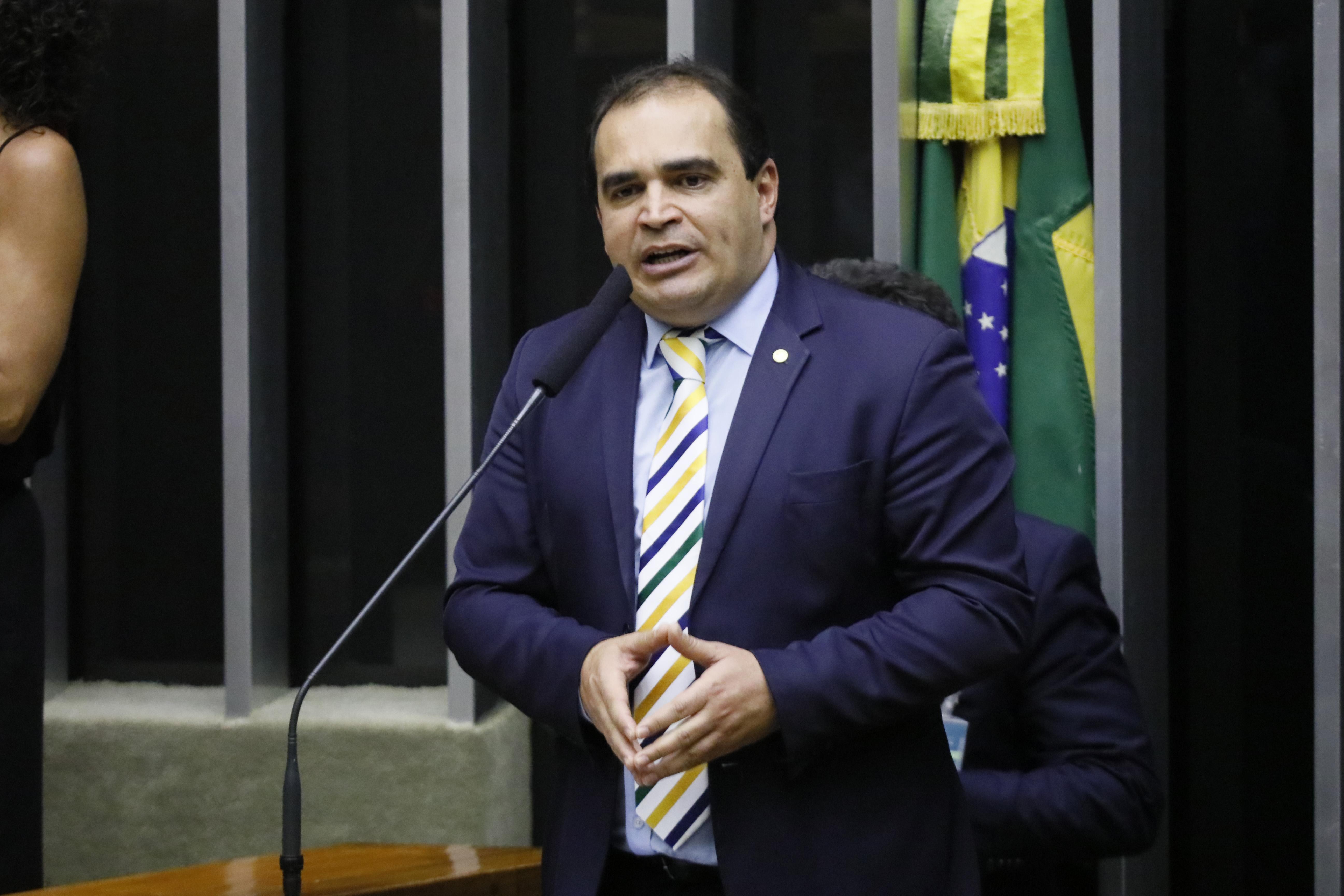Deputado Delegado Marcelo Freitas discursa no Plenário da Câmara