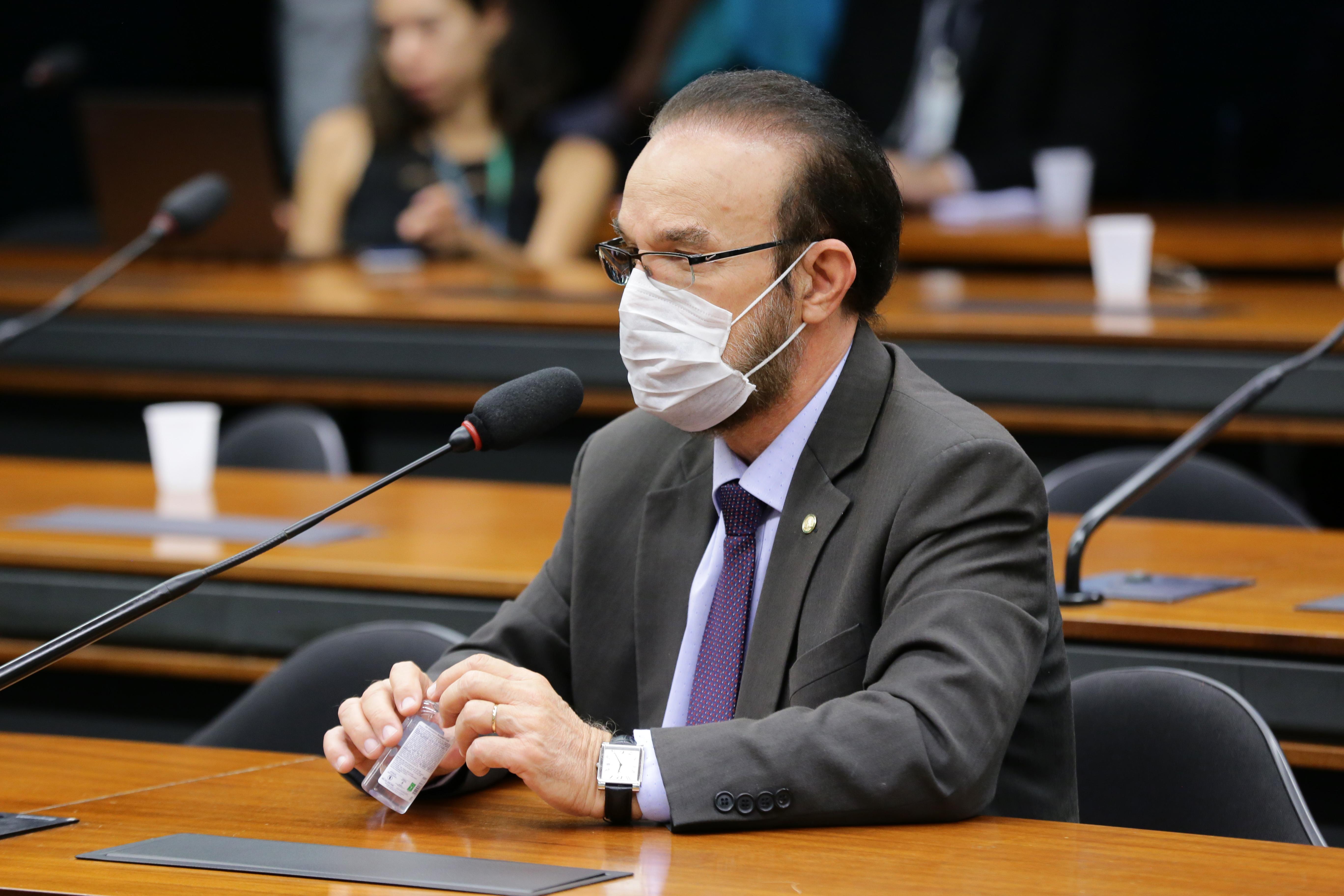 Ações preventivas da vigilância sanitária e possíveis consequências para o Brasil quanto ao enfrentamento da pandemia causada pelo coronavírus. Dep. Lincoln Portela (PL - MG)