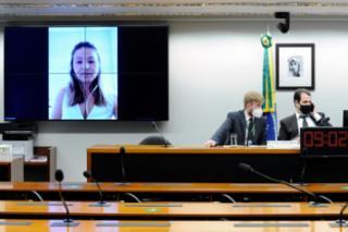 Audiência Pública - Debater sobre a situação das comunidades situadas no entorno da BR-040. Coordenadora Geral de Desapropriação Departamento Nacional de Infraestrutura de Transportes (DNIT), Michele Fragoso