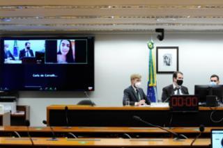 Audiência Pública - Debater sobre a situação das comunidades situadas no entorno da BR-040. Centro de Defesa dos Direitos Humanos de PETRÓPOLIS / CDDH, Flávia Valadares