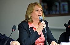 Audiência pública para esclarecimentos sobre a possível entrada de médicos estrangeiros no Brasil sem prestarem o Exame Nacional de Revalidação de Diplomas Médicos Expedidos por Instituições de Educação Superior Estrangeiras (Revalida). Representante do Instituto Nacional de Estudos e Pesquisas Educacionais (INEP-MEC), Cláudia Griboski