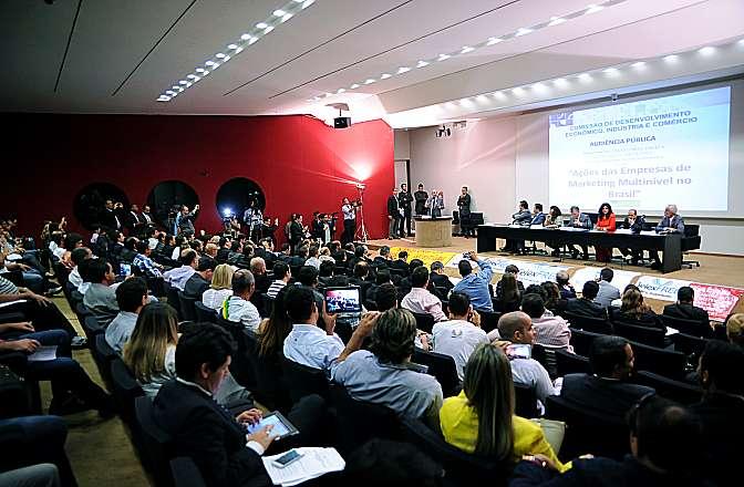 Audiência conjunta das comissões de Desenvolvimento Econômico, Indústria e Comércio (CDEIC), de Ciência e Tecnologia, Comunicação e Informática (CCTCI) e de Defesa do Consumidor (CDC) discute sobre as ações das Empresas de Marketing Multinível no Brasil
