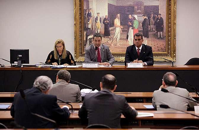 Apreciação do parecer do dep. Sérgio Brito (PSD/BA), relator do processo nº 08/13 (Representação Nº 17/12), em desfavor do dep. Carlos Alberto Leréia (PSDB/GO)
