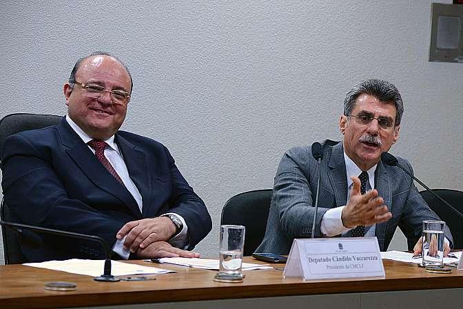 Reunião de Trabalho. (E) Dep. Câdido Vaccarezza (PT-SP), presidente da CMCLF e Sen. Romero Jucá, relator