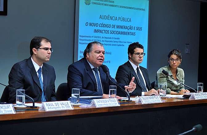 Audiência pública sobre o novo Código de Mineração e seus impactos socioambientais
