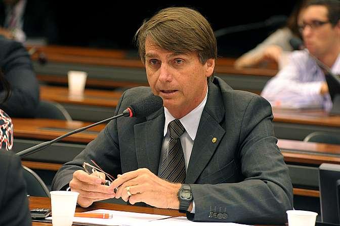 Votação para presidente e vice-presidente da Subcomissão Especial para Defesa da História das Forças Armadas na Formação do Estado Brasileiro. Presidente eleito, dep. Jair Bolsonaro (PP-RJ)