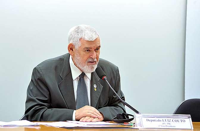 Audiência pública para apresentação do relatório mundial sobre tráfico de pessoas produzido pela ONG - Exodus Cry. Dep. Luis Couto (PT-PB)