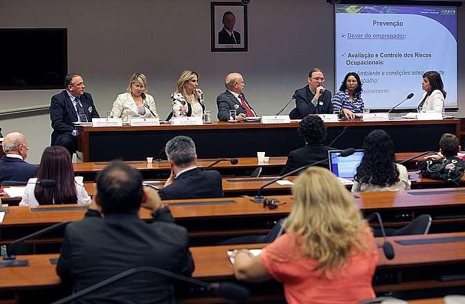 Audiência Pública para debater o PL 267/2011, da dep. Cida Borghetti que