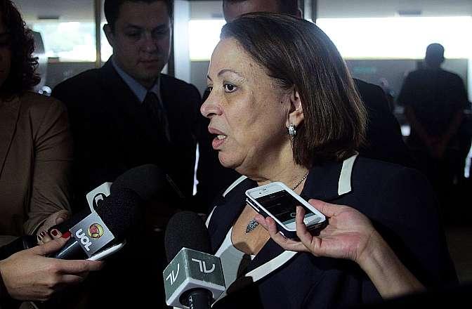 Ministra da Secretaria de Relações Institucionais, Ideli Salvatti concede entrevista