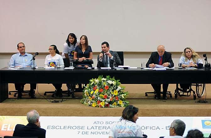 Seminário: Pró-Cura da Esclerose Lateral Amiotrófica (ELA)